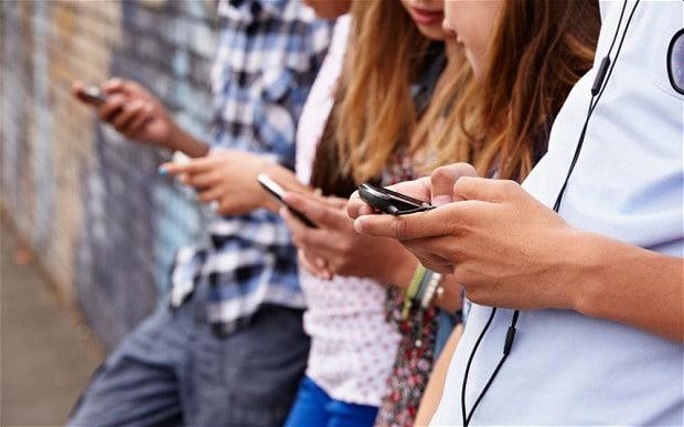 چگونه تلفن های همراه هوشمند از ما انسان هایی کم حافظه می سازد؟
