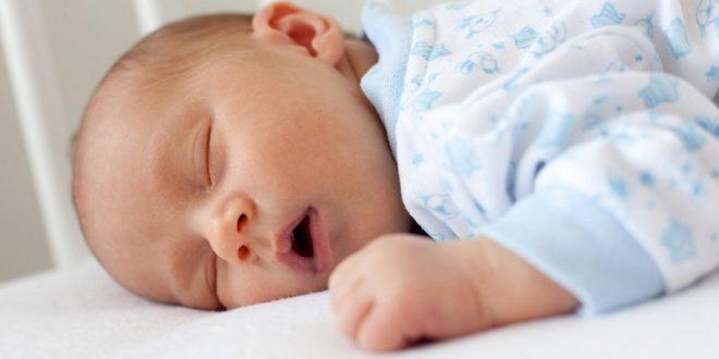 اتاق خواب نوزاد را در سال اول تولد جدا نکنید