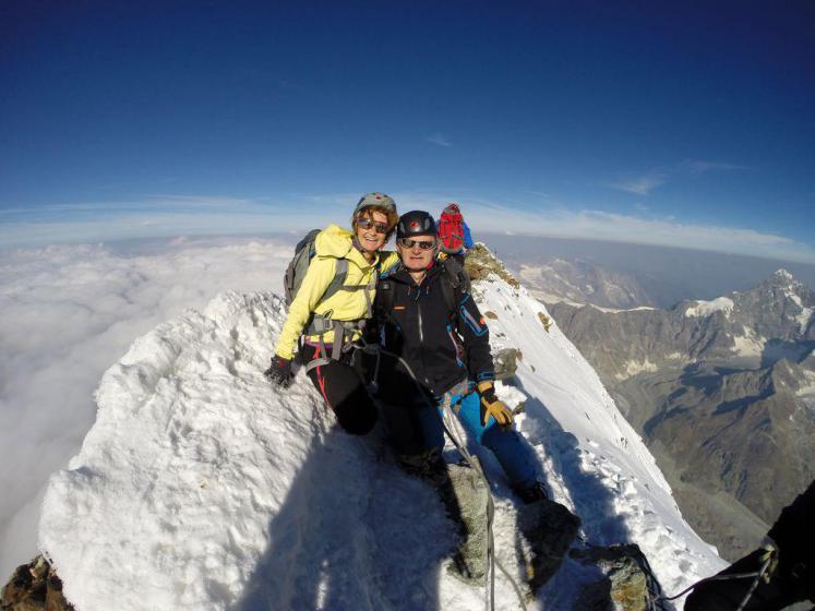 فتح قله دماوند توسط مدیر بانک اروپایی! + عکس
