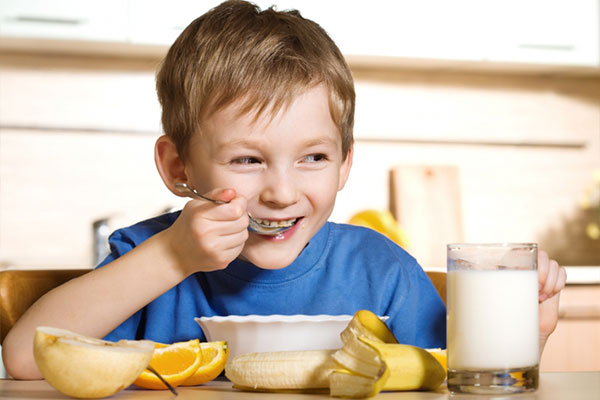 تاثیر صبحانه در پیشگیری از چاقیِ کودکان