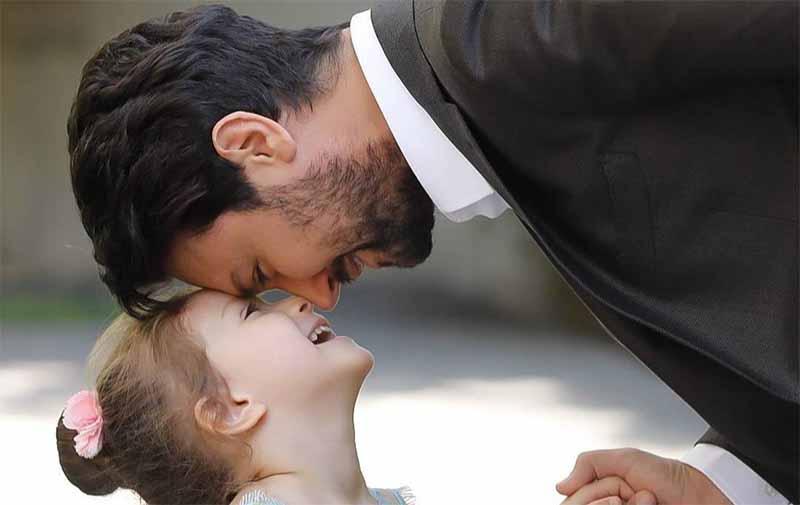 شاهرخ استخری در کنار دختر زیبایش (+عکس)
