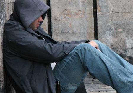 چه افرادی در معرض ابتلا به مصرف موادمخدر هستند؟