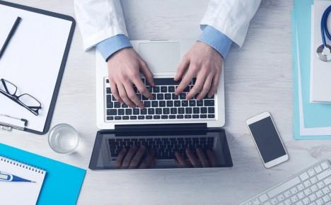 فضای مجازی را جایگزین پزشکان متخصص نکنیم