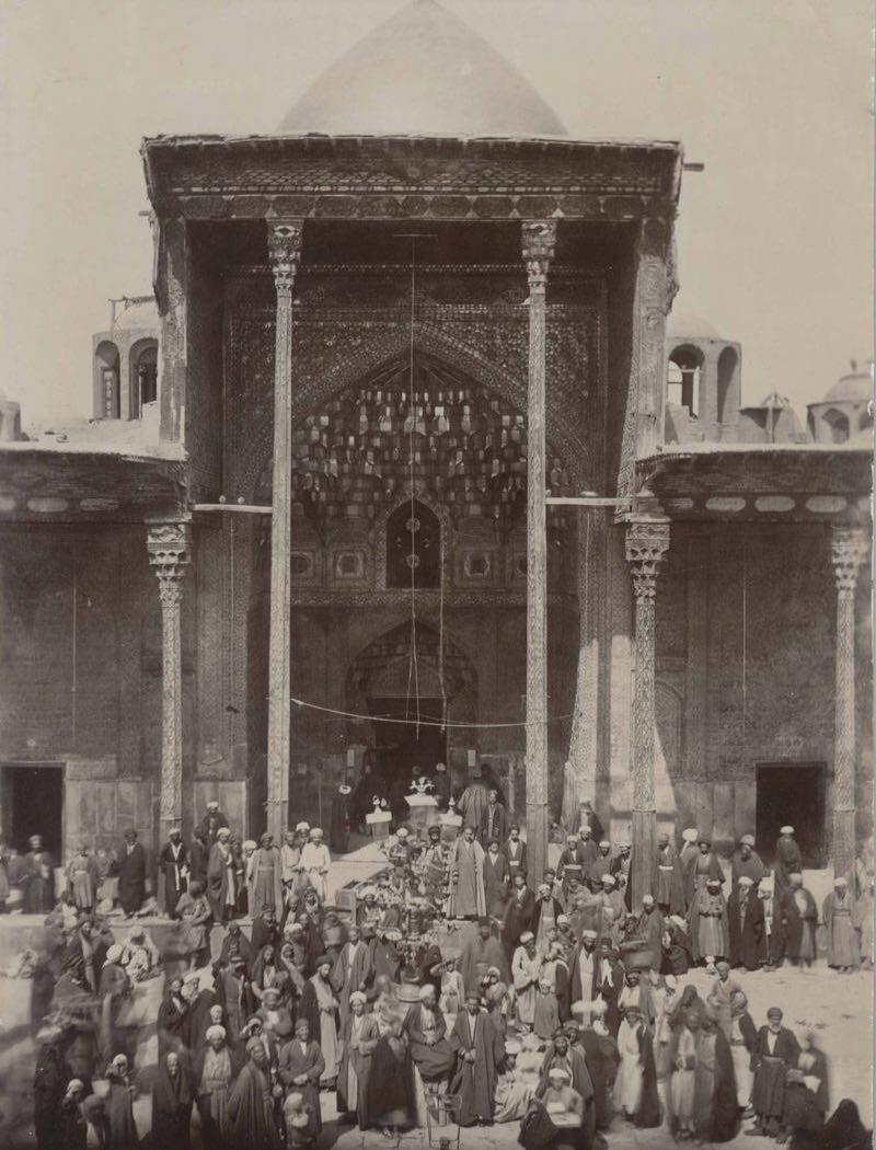 تصویر قدیمی از صحن حرم امام حسین (ع) در یکصد سال قبل