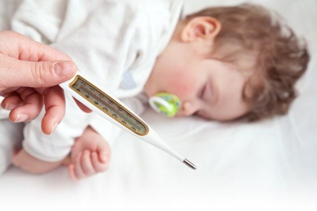 هشدار:کودک مبتلا به تب را پاشویه نکنید!