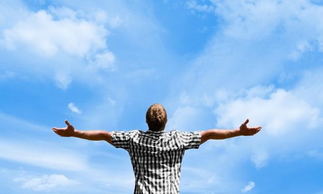 آدمهای شاد و موفق، روز خود را چطور شروع میکنند؟