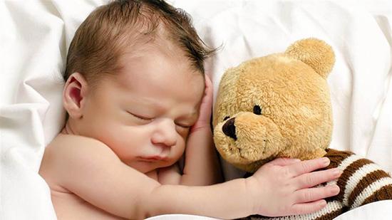 چگونه مثل یک کودک، آرام بخوابیم؟