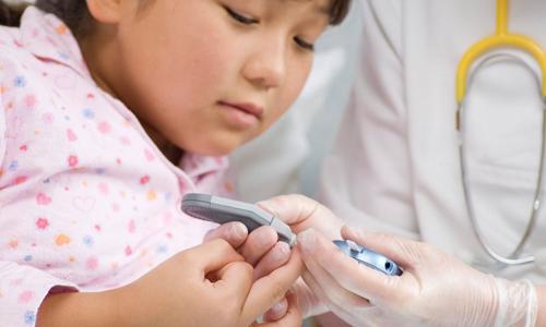 کودکان دیابتی باید از پمپ های انسولین استفاده کنند