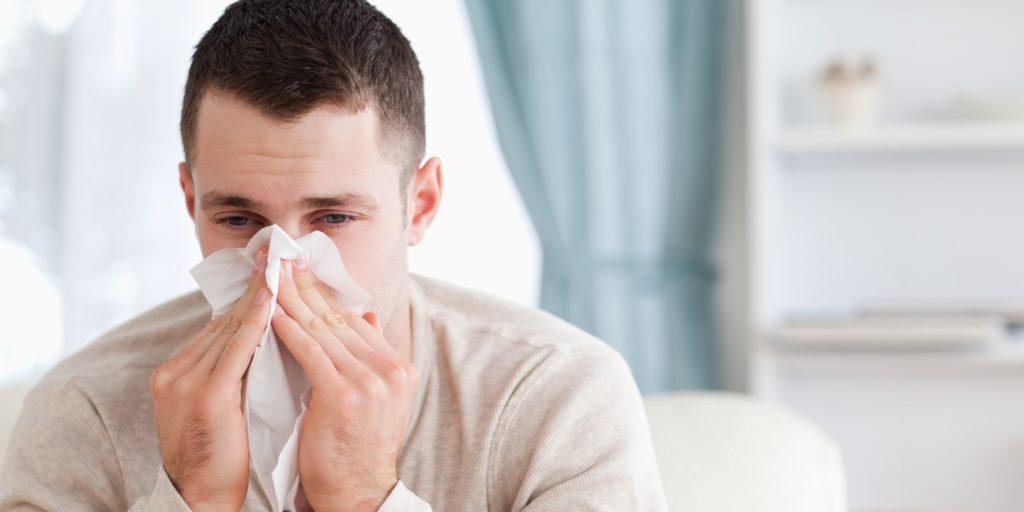 اینفوگرافیک؛ چگونه بفهمیم سرما خورده ایم یا آنفلوآنزا گرفتهایم