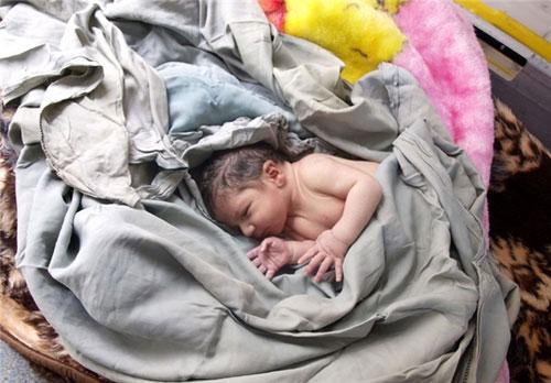 افتتاح نخستین مرکز درمان اعتیاد مادر و کودک