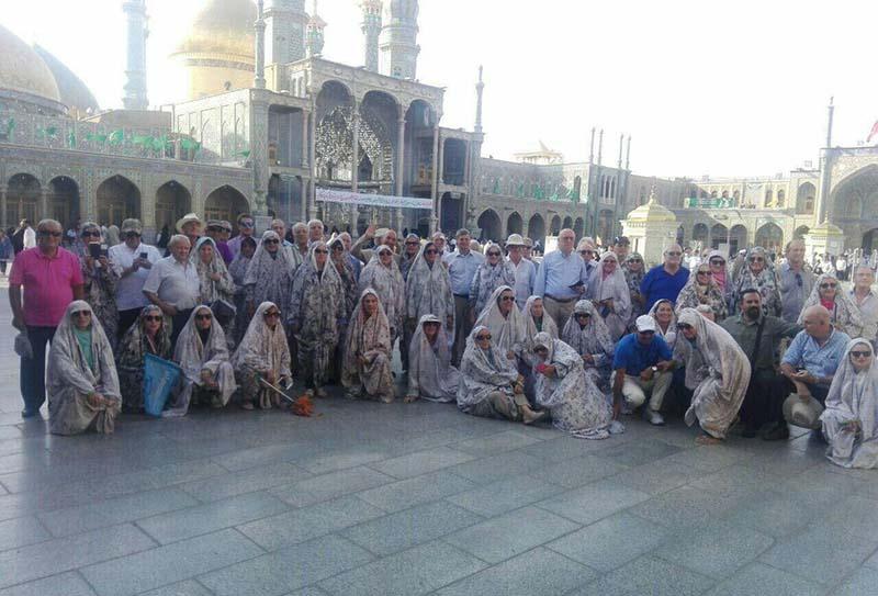 حضور متفاوت گردشگران خارجی درحرم حضرت معصومه! + عکس