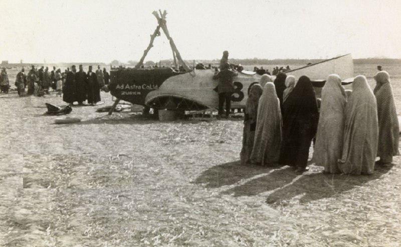 واکنش تهرانیها با مشاهده اولین هواپیما! + عکس