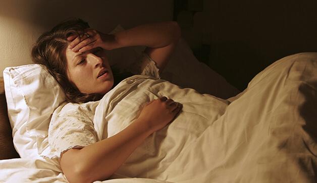 چرا بعد از یک روز پر استرس، شب خوابمان نمیبرد؟