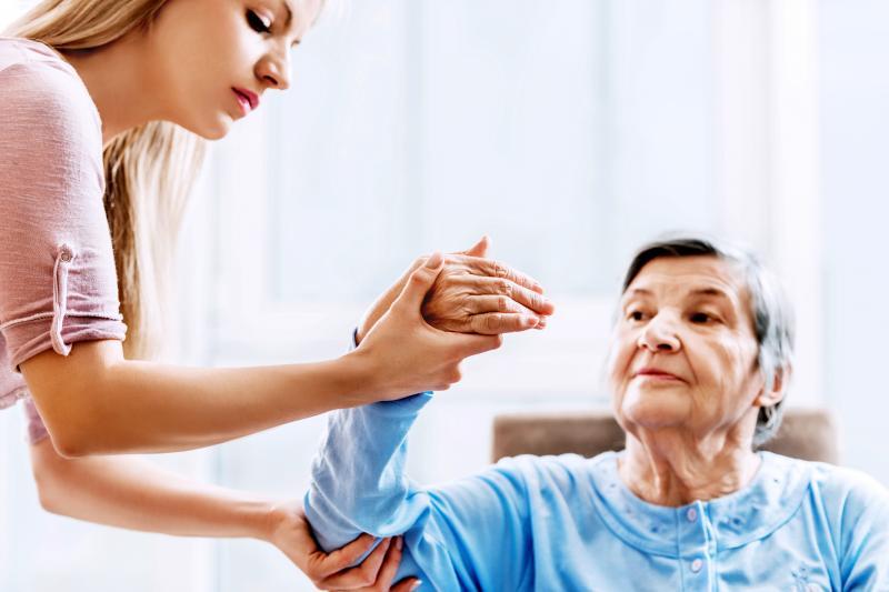 عواملی که در افزایش خطر سکته مغزی در خانم ها موثراست