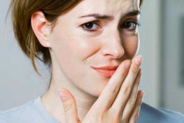 چرا صبح ها در دهان احساس تلخی می کنید؟