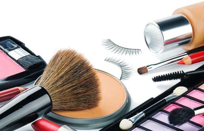 عفونت هایی که با این لوازم آرایشی نصیبتان می شود