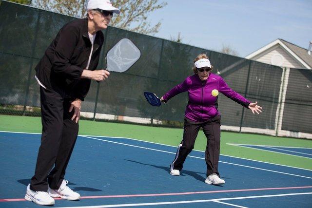 پیکلبال یا تنیس سالمندان/ ورزشی که روزبهروز محبوبتر میشود