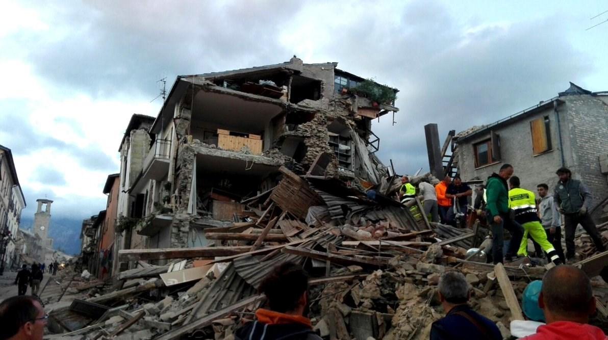 توصیهها و اقدمات لازم قبل، هنگام و بعد از زلزله +اینفوگرافیک