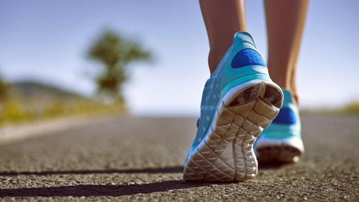 چطور حین پیاده روی استخوان هایمان را تقویت کنیم؟