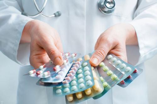 نیازی به ارسال محموله دارویی جدید به مناطق زلزله زده نیست