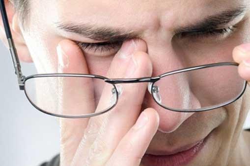 درمان چشمهایی که قی میکند