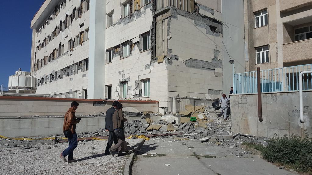 تخریب بخش نوساز بیمارستان امام خمینی اسلام آباد! + عکس