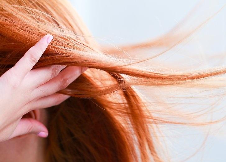 عادت ماهانه با پوست و مو چه می کند؟