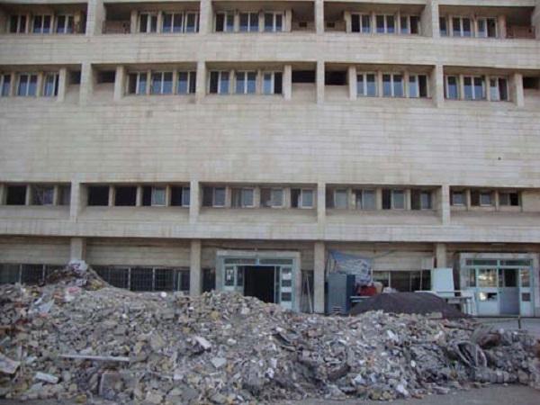 نوسازی مراکز درمانی فرسوده خارج از توان دولت است