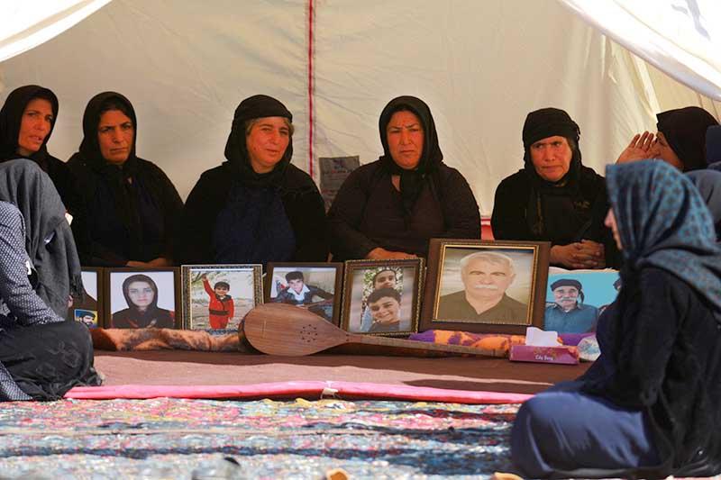 عکسی تکاندهنده از یک چادر امدادی در کرمانشاه