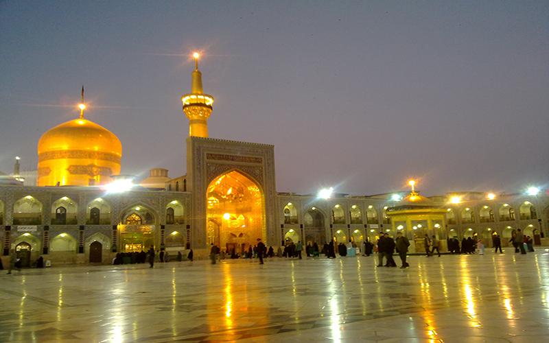 ماجرای دختر بیحجابی که به لطف امام رضا نماز شبخوان شد