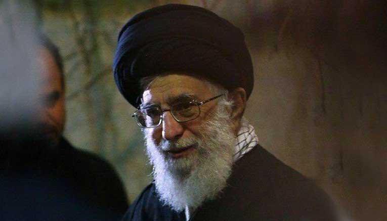 بازدید سرزده رهبر انقلاب از مناطق زلزله زده کرمانشاه + عکس