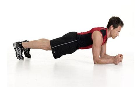 چند حرکت ورزشی فوق العاده که به چربی سوزی ناحیه شکم کمک میکند