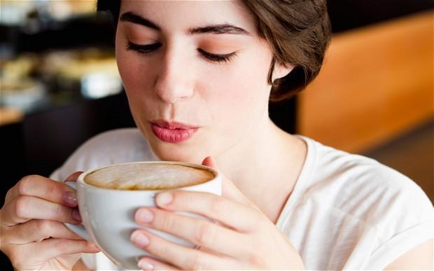 خطر پنهان نوشیدن قهوههای خوش آب و رنگ در کافی شاپها