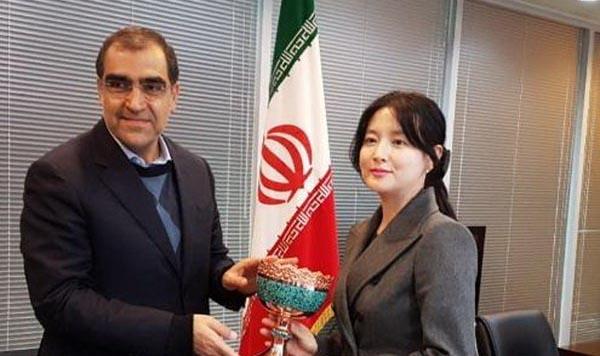 هدیه وزیر بهداشت به بازیگر معروف کره ای! + عکس