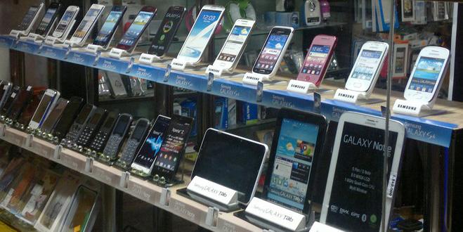 اینفوگرافیک هنگام خرید موبایل به این نکات دقت کنید