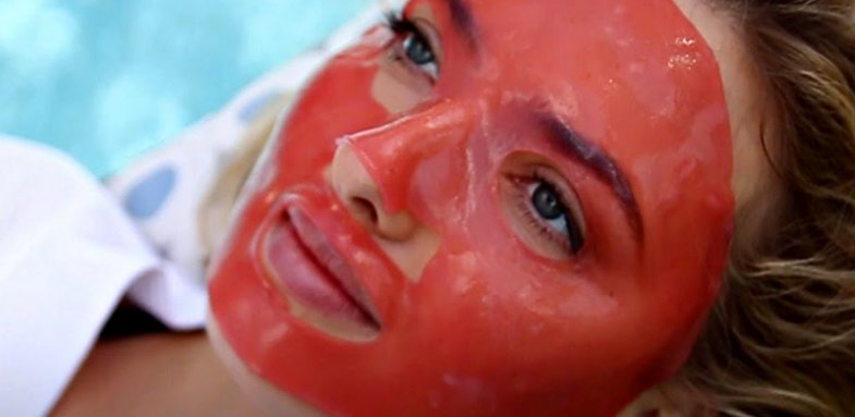 ماسک لبو برای شادابی پوست