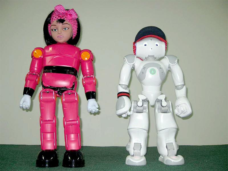 ربات های مینا ونیما به کمک کودکان اوتیسمی می آیند