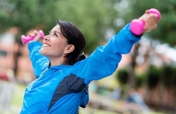 ورزش از ۵ طریق پوستتان را جوان نگه می دارد
