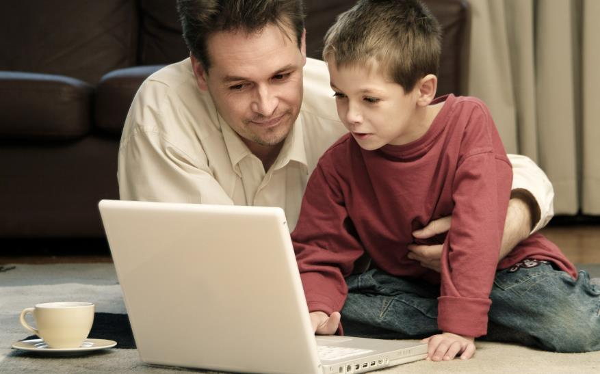 آیا استفاده کودکان از اینترنت مفید است یا مضر؟