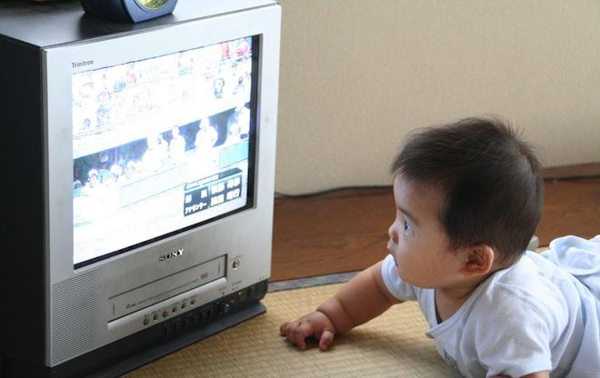 تماشای تلویزیون در این سن توصیه نمی شود