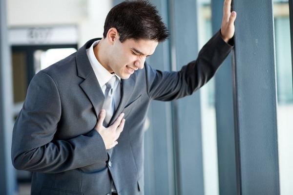 این دردها میتواند نشانهای از بروز سکته قلبی باشد