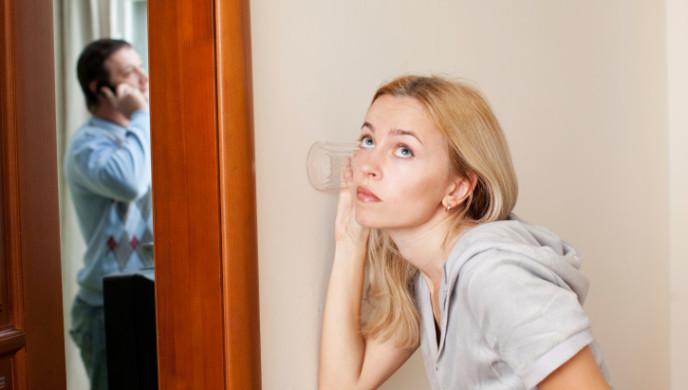 چک کردن همسر؛ درست یا غلط؟