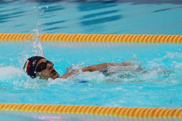 تقویت عضلات بدن با شنا