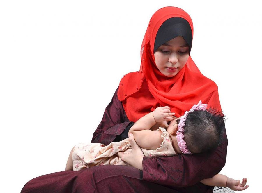 دلیل نق زدن نوزاد در خواب