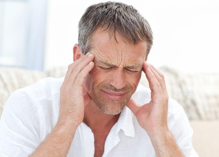 چرا هنگام بلند شدن دچار سرگیجه می شوم؟
