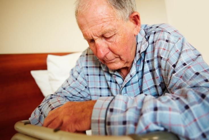 عاملی که باعث ضعف وسستی در سالمندان می شود!