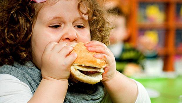 علل چاقی کودکان امروز