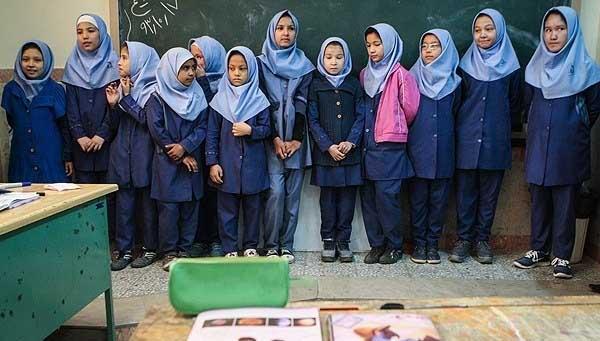 دلنوشته قابل تامل دختر بچه افغانی ایران + عکس