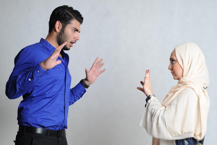 رفتارهای مردانهای که زنان را آزار میدهد
