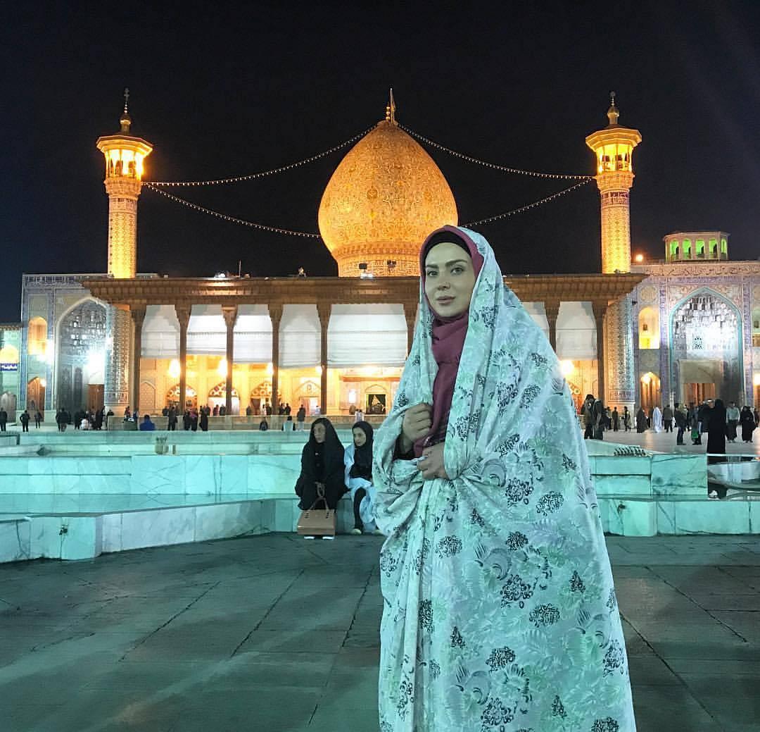 تیپ خانم بازیگر در سفر به شیراز! + عکس